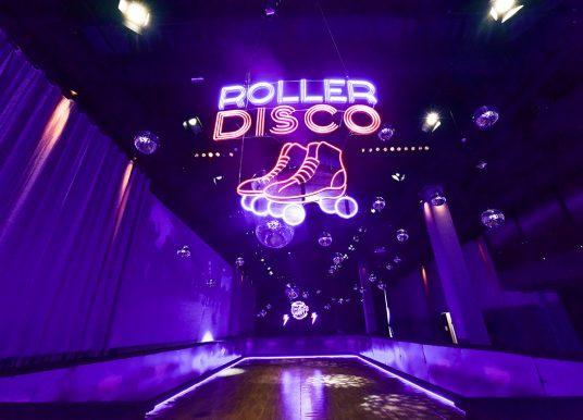 Shopping Cidade Jardim inaugura pista de patinação Roller Boogie